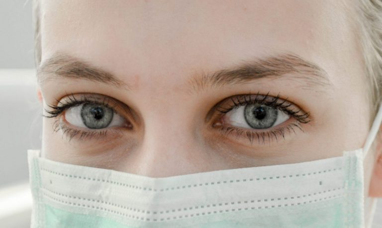 You're More Likely To Struggle With These Eye Conditions Due To Pandemic – The Fresh Toast